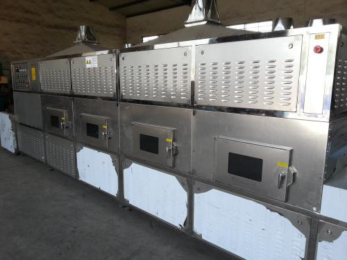 Full-automatic and Continuously Microwave Defrosting and Microwave Heating Machine